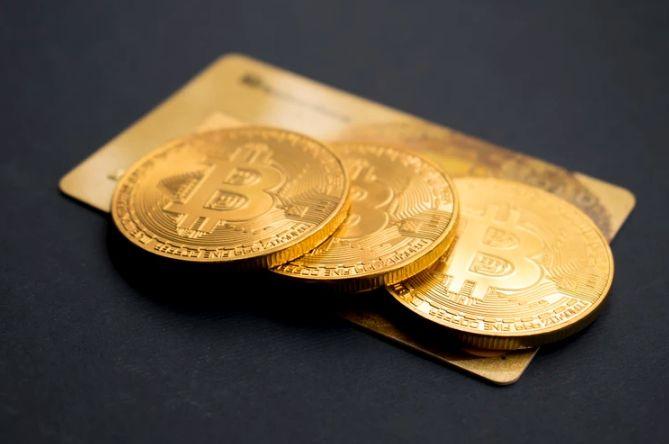 Bitcoin znów poniżej 9 tysięcy dolarów USD? Binance Coin, Ethereum i Ripple (XRP) również zniżkują