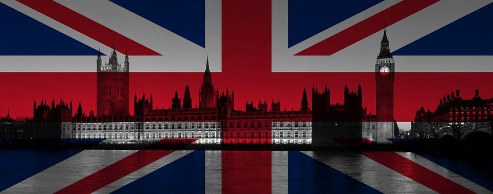 Brytyjskie sondaże powodują duże luki na rynku walutowym