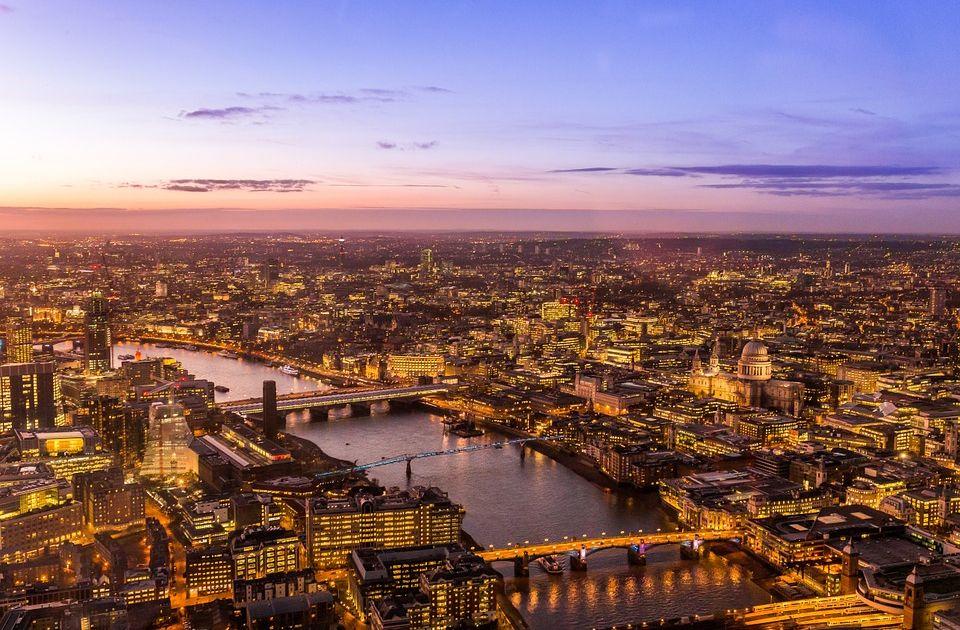 """Carney: BoE będzie ściśle monitorować rynek nieruchomości """"buy-to-let"""""""