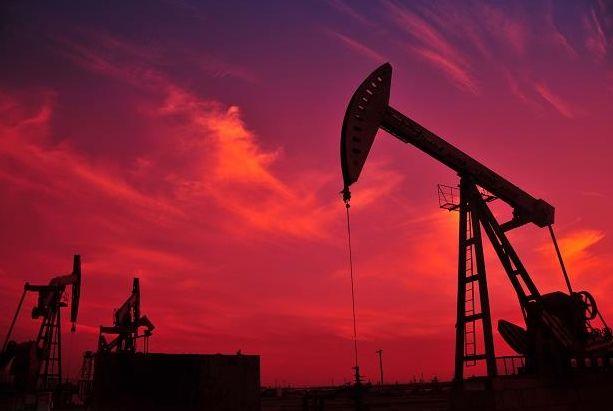 Cena ropy Brent przy tegorocznych szczytach! Wykres tygodniowa - Surowce