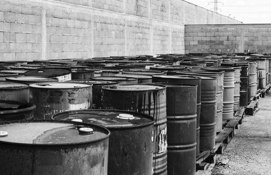 Cena ropy delikatnie w górę. OPEC i Rosja próbują się ratować, a Ameryka ogłasza że eksportuje więcej ropy niż importuje!