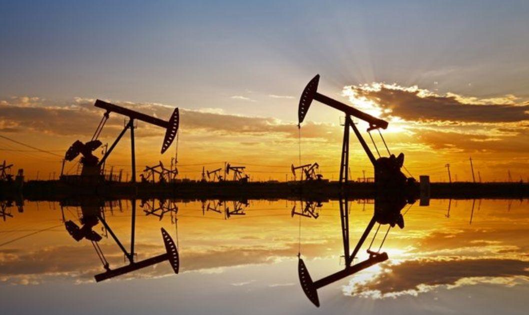 Cena ropy odbija, jednak ryzyko zapełnienia cystern pozostaje wysokie. Tygodniowy przegląd rynków towarowych