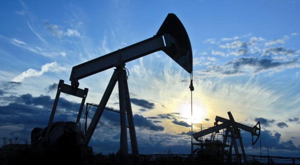 Cena ropy w dół. Notowania indeksów giełdowych. Bieżąca analiza techniczna rynków
