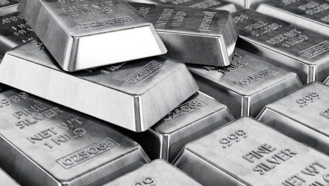 Cena srebra po 16 dolarów. Do realizacji formacji RGR brakuje tylko przełamania linii szyi