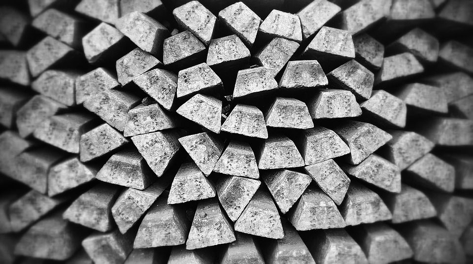 Cena srebra wkrótce powyżej 15$ - szansa na formację podwójnego dna
