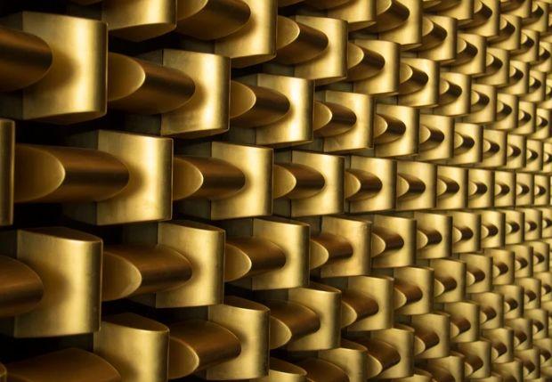 Cena złota w okolicach 1500 dolarów USD za uncję. Notowania srebra przy technicznym wsparciu