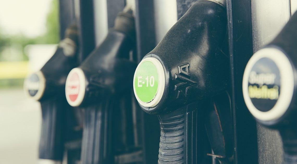 benzyna stacja benzynowa paliwo