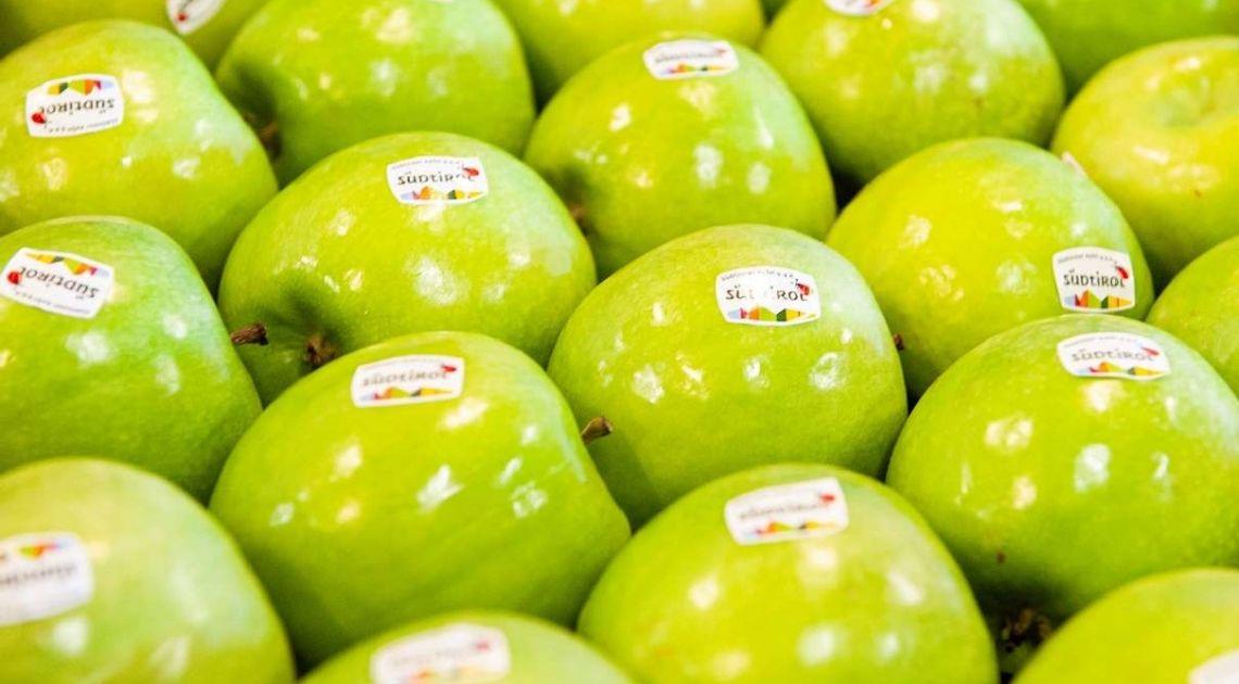 ANALIZA: Ceny jabłek poszły w górę o ponad 46%. Banany zaliczają spadek o 4%