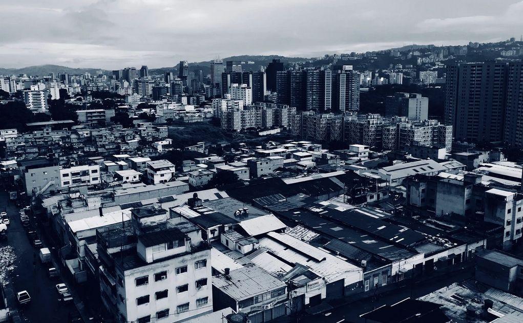Ceny ropy naftowej niedaleko tegorocznych maksimów, chaos w Wenezueli coraz większy