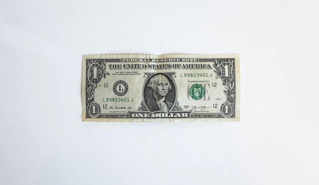 Co z kursem dolara USD? Amerykańska waluta znowu słabnie. Sytuacja na rynkach finansowych