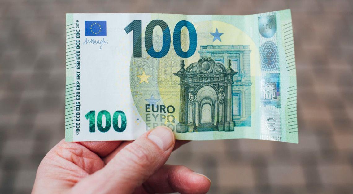 Co z kursem euro (EUR) względem dolara (USD)? Niższe otwarcie w Europie, czas na porozumienie stymulacyjne Pelosi kończy się