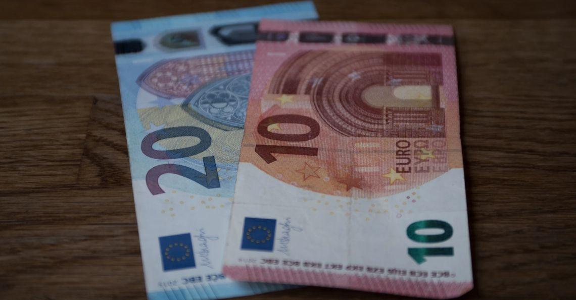Co z kursem euro (EUR)? Wzrost dolara (USD) to tylko korekta? Fed wsparł rynki akcji. Sytuacja na rynkach finansowych