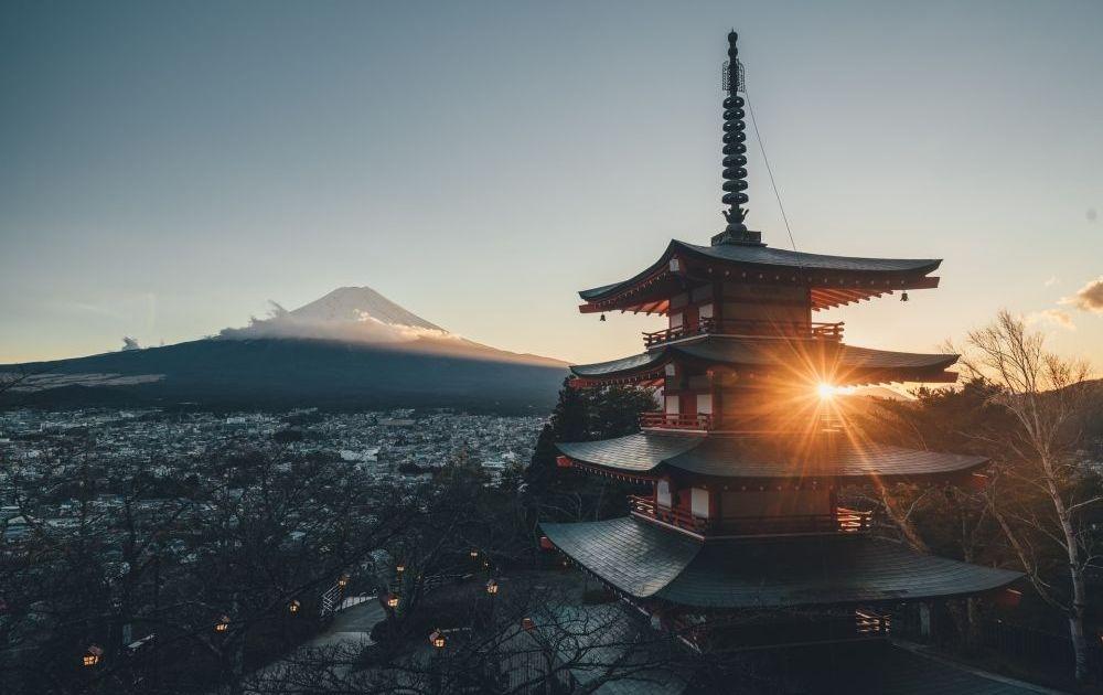 Czarna seria na parach z jenem (JPY) trwa. Skąd siła japońskiej waluty?