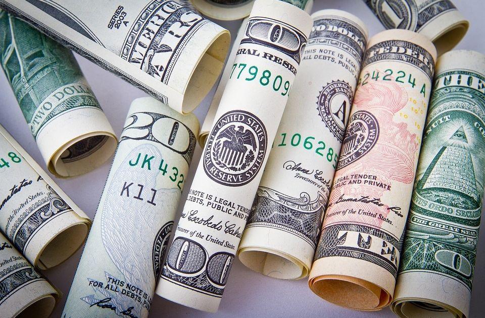 Czas na spadki na dolarze?