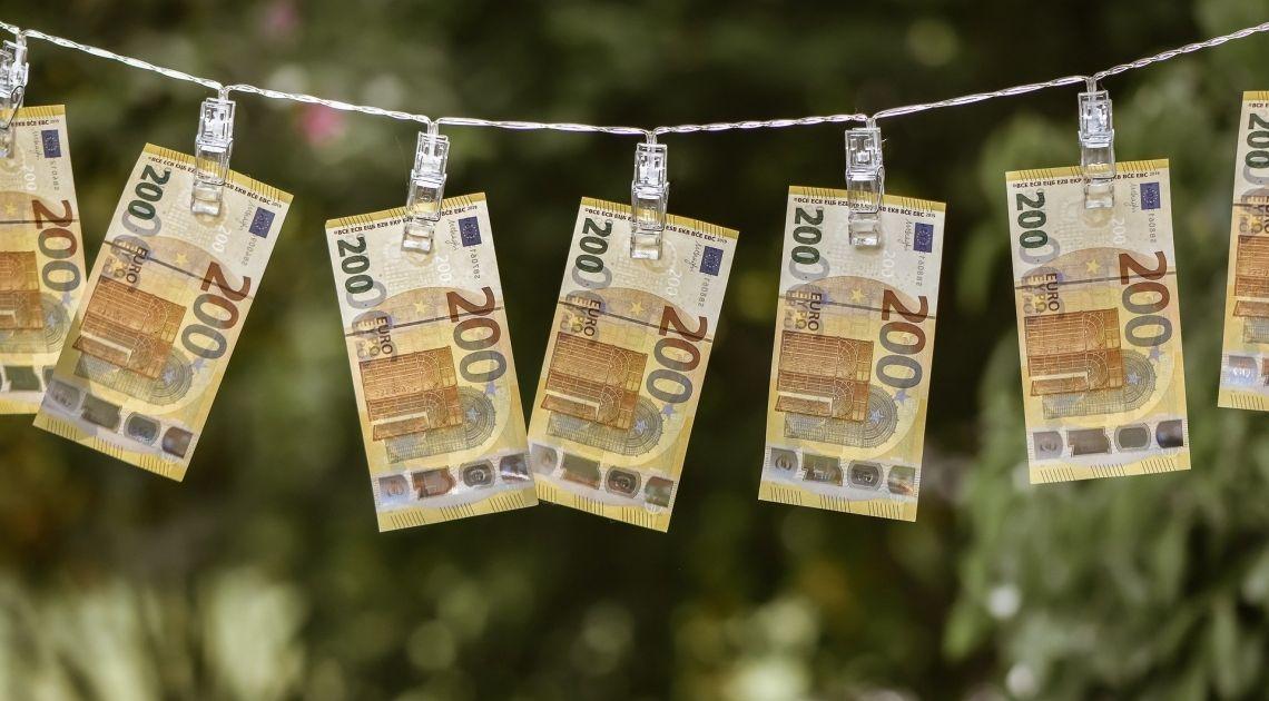 Deflacja w Strefie Euro? Kurs euro EUR/USD spada