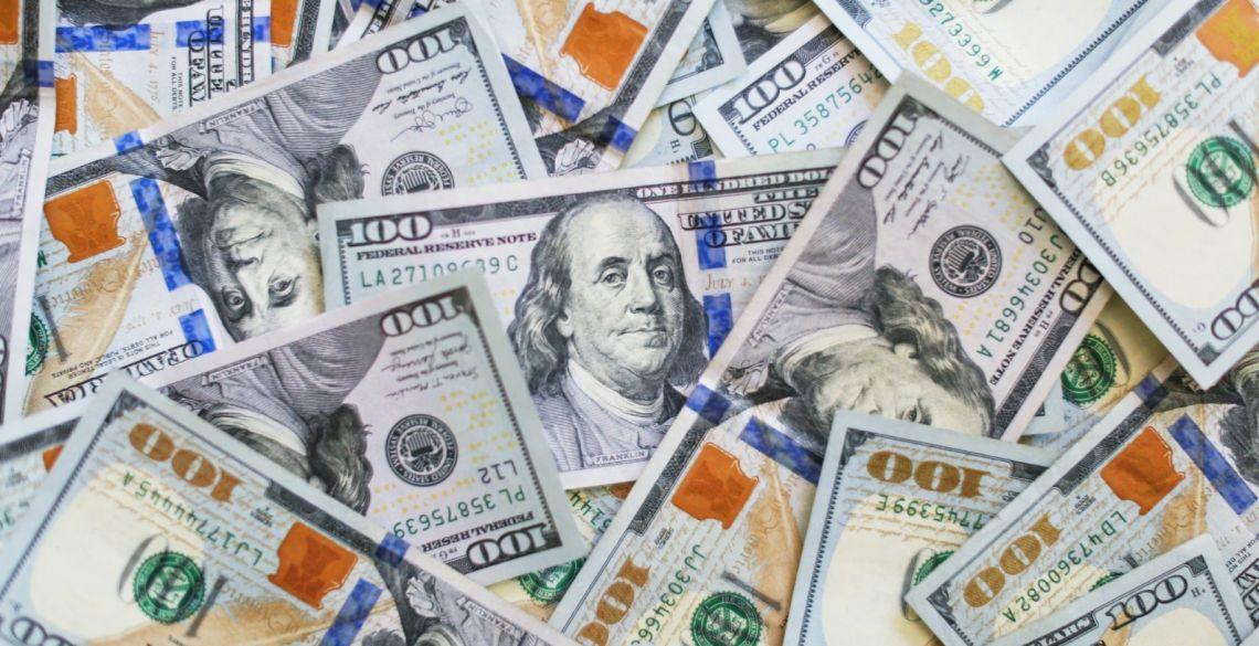 Dla dolara lipiec był najgorszym miesiącem od dekady. Euro w parze z USD najwyżej od ponad dwóch lat