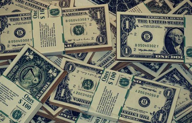 Dolar Nadal Dominuje Na Wykresie Kursu Euro Do Dolara I Funta Pesymizm