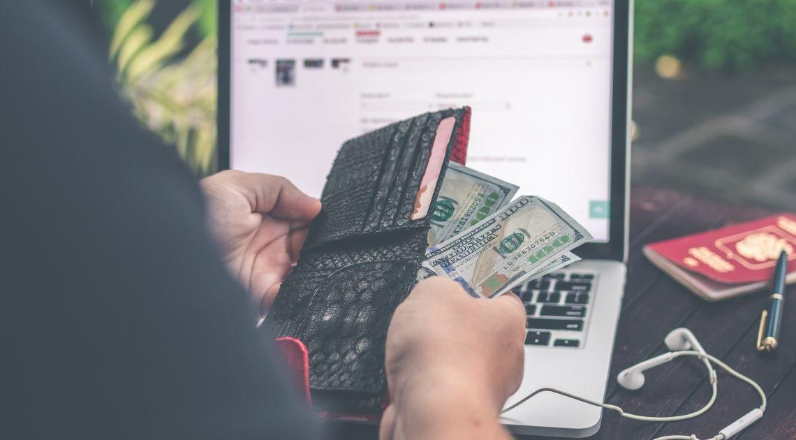 Dolar narusza barierę 4.7250. Czy kurs dolara wzrośnie przed publikacją minutek o godzinie 20:00?