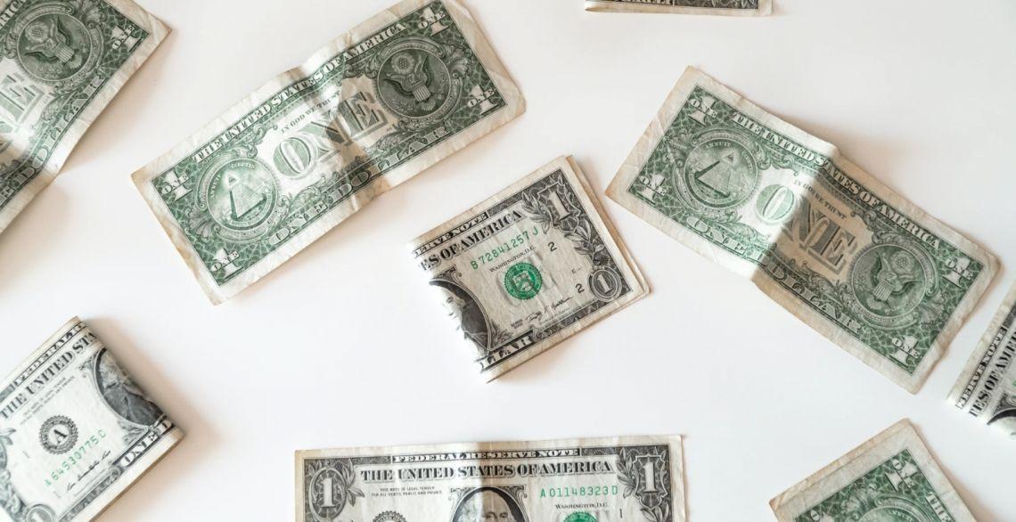 Dolar (USD) nadal rządzi na rynkach metali. Ceny złota, srebra i miedzi