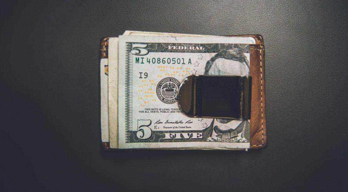 Dolar USD po 3,80 zł. Kurs euro w okolicach 4,23 PLN. Polski złoty coraz mocniejszy, dalsze ocieplanie stosunków USA-Chiny