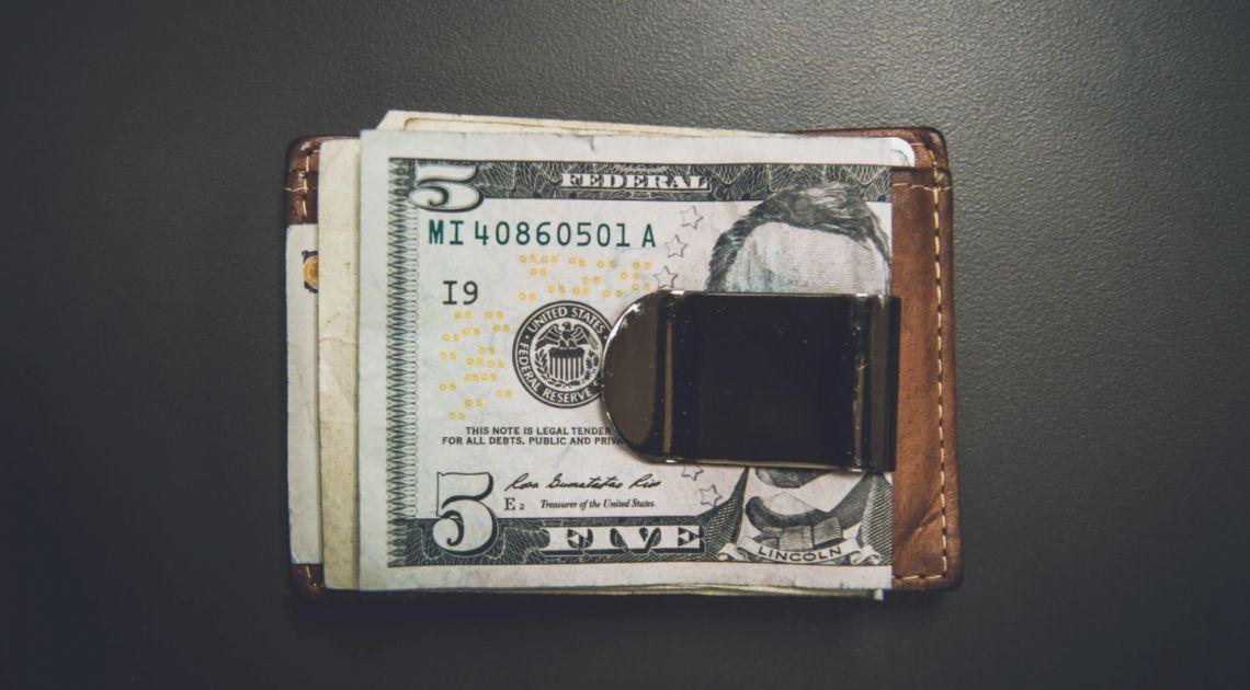Dolar zyskuje na wartości. Kurs EUR/USD wyraźnie poniżej poziomu 1,19. Sytuacja na rynkach finansowych
