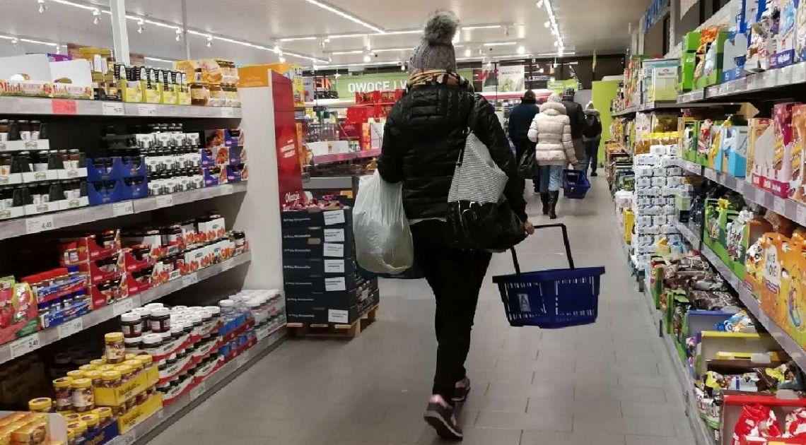 Dramat przedświątecznego handlu. Ruch w sklepach zmniejszył się o blisko 70%