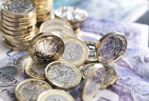 Dziś funt nie ma sobie równych. Tracą kursy euro i dolara do funta!