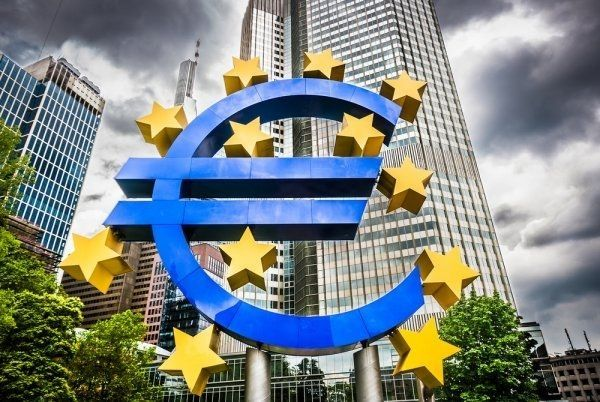 EBC obniża prognozy wzrostu gospodarczego