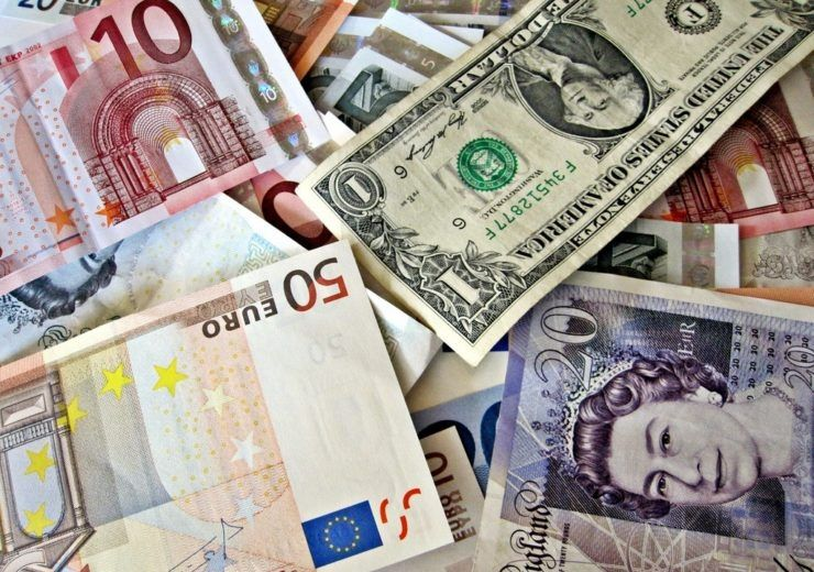 Euro, dolar, frank, funt i korona czeska. Ile złotych zapłacimy za te waluty we wtorek wieczorem?