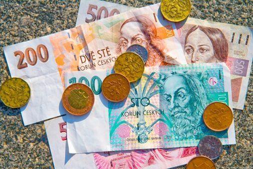 Euro, dolar, frank, funt i korona czeska. Kursy walut po weekendzie