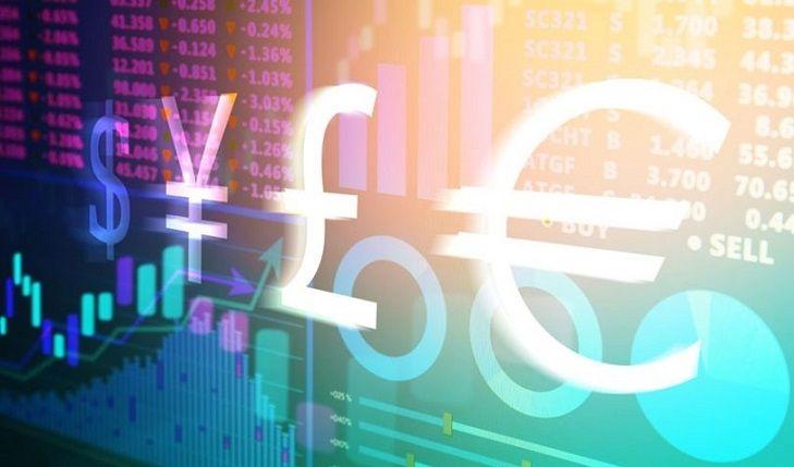 Euro, funt i dolar w centrum uwagi. Kursy walut przed weekendem