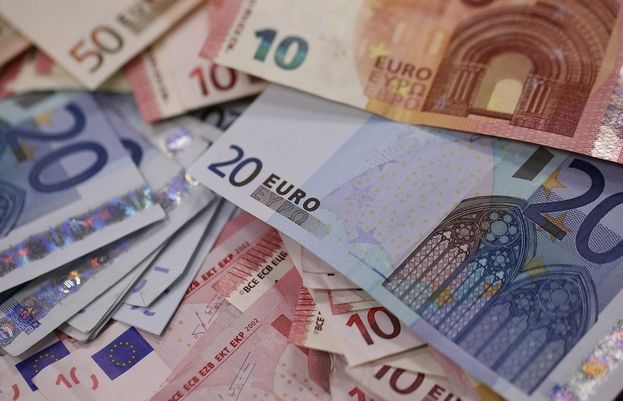 Kurs euro do złotego nie był tak stabilny od 2013 roku! Zobacz w jakim zakresie wtedy oscylował