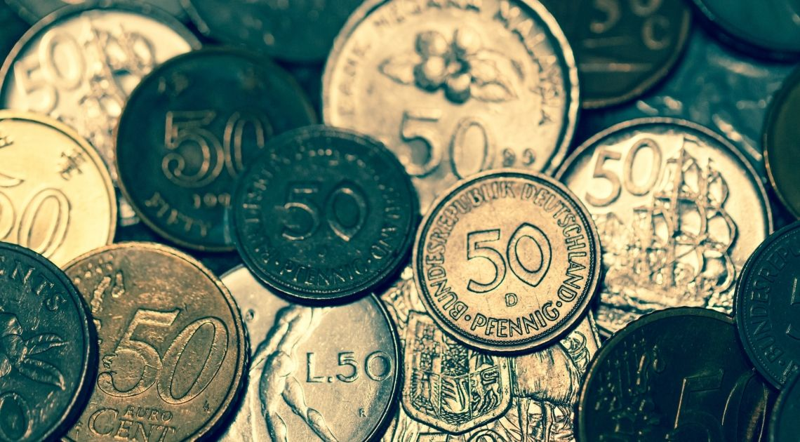 Euro odrabia część strat do dolara. Zamknięcie powyżej 1.1400 oznaczać będzie wzrosty