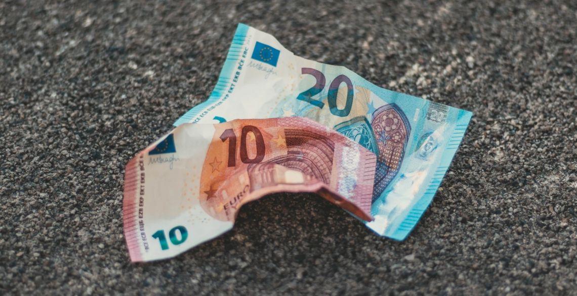 Euro po 4,47 zł. Kurs dolara USD blisko 3,92 PLN. Złoty mocniejszy, pomimo pesymistycznych projekcji
