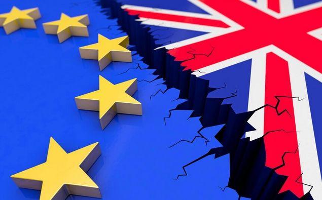 Euro równie narażone na twardy Brexit co funt