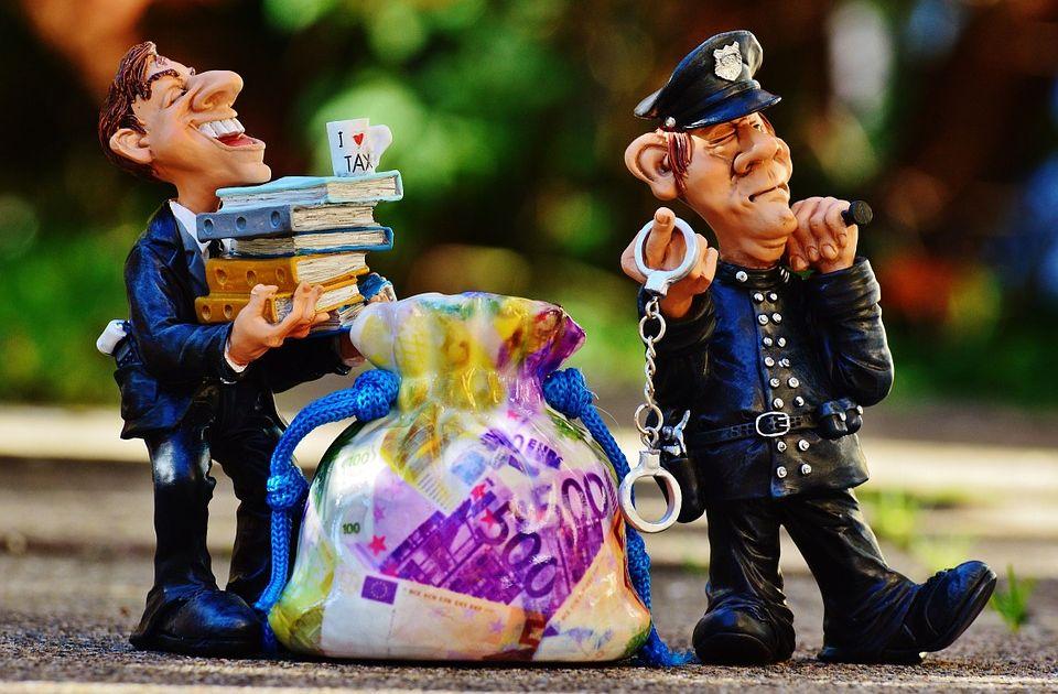 Fikcyjny fundusz hedgingowy- zarządzający ukradł 800.000,00 USD
