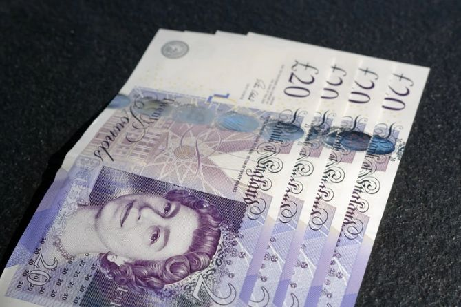 Formacja RGR na kursie funta do dolara GBPUSD. Do czego może doprowadzić przełamanie tygodniowego wsparcia?