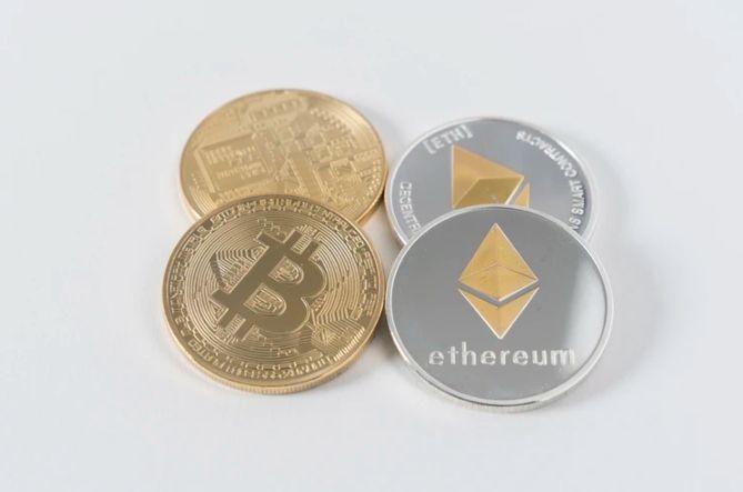 Ile dolarów USD zapłacisz dziś za Bitcoina (BTC)? Znaczne wzrosty na kursie Ethereum (ETH). Ripple (XRP) oraz Binance Coin również zwyżkują