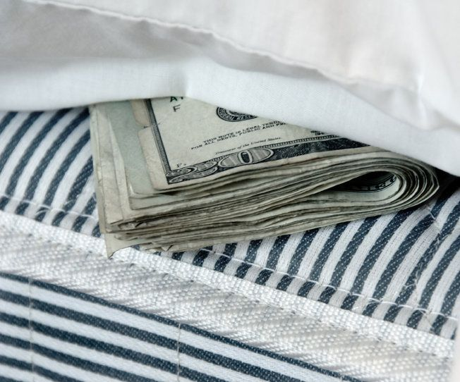 Inwestorzy uciekają w stronę gotówki