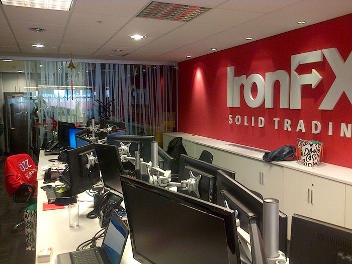IronFX wykluczony z UCRFIN