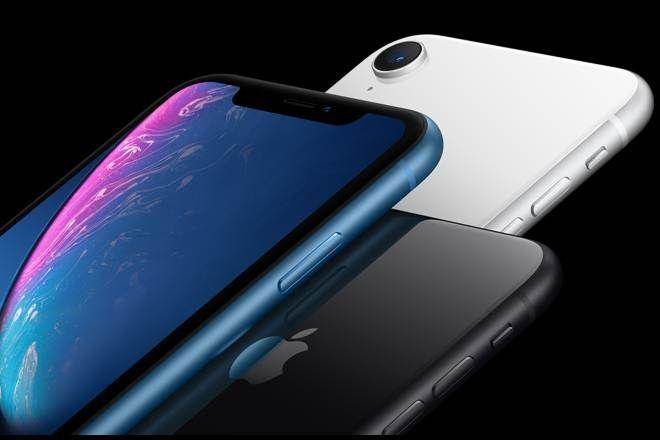 Jak cena iPhone'a rosła razem z akcjami Apple? Droga do 1 biliona na giełdzie.