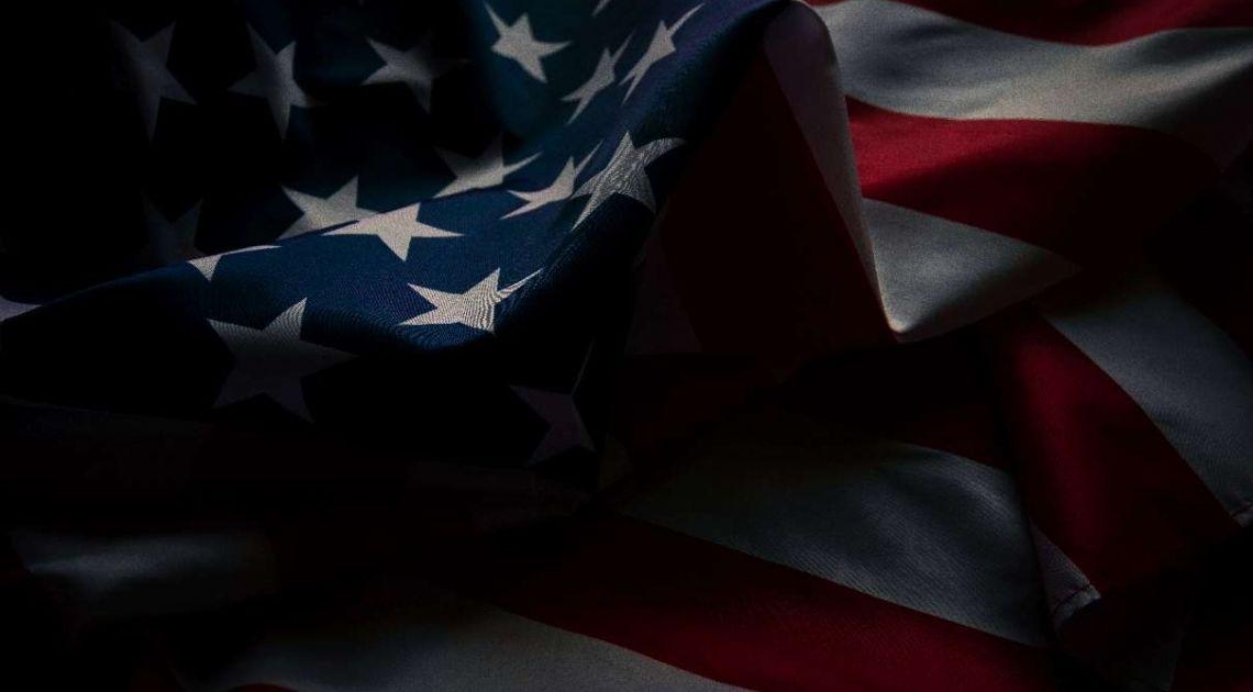 Jak kupić akcje amerykańskich spółek? Inwestowanie na dwóch największych światowych rynkach akcji - Wall Street i Nasdaq. Praktyczny webinar