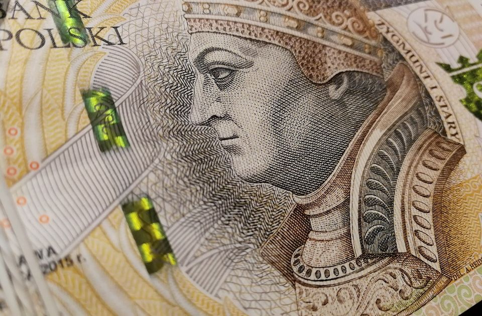 Zabezpieczenia banknotów fałszerstwa fałszywe pieniądze NBP PWPW