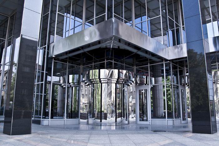 JP Morgan - EBC pójdzie na wymianę ciosów z BoJ