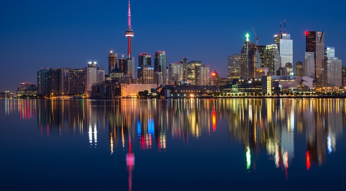 Kanada: rynek pracy oraz zezwolenia na budowę. Jak się zachowuje kurs dolara kanadyjskiego (USD/CAD)?