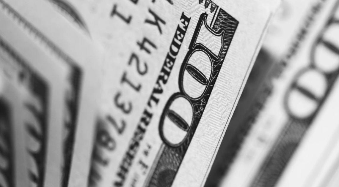 """""""Kierunek polityki monetarnej Fed pozostaje negatywny dla USD"""". Nowy raport walutowy TMS"""