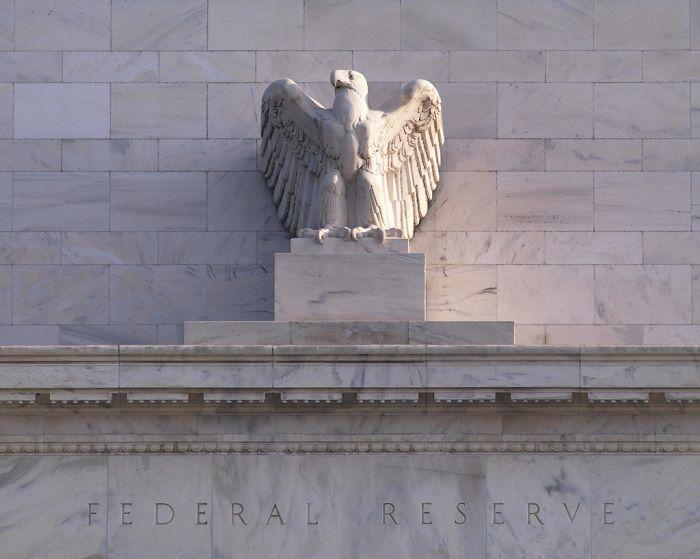 Komentarz walutowy - Dolar wstaje na dobre z kolan?