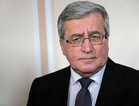 Komorowski o sprawie dot. KNF: PiS boi się zgodzić na komisję śledczą