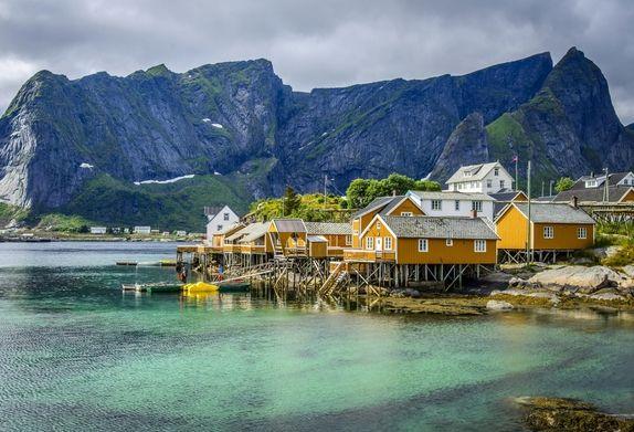 Korona norweska zyskuje, a kurs franka szwajcarskiego spada. Dlaczego?