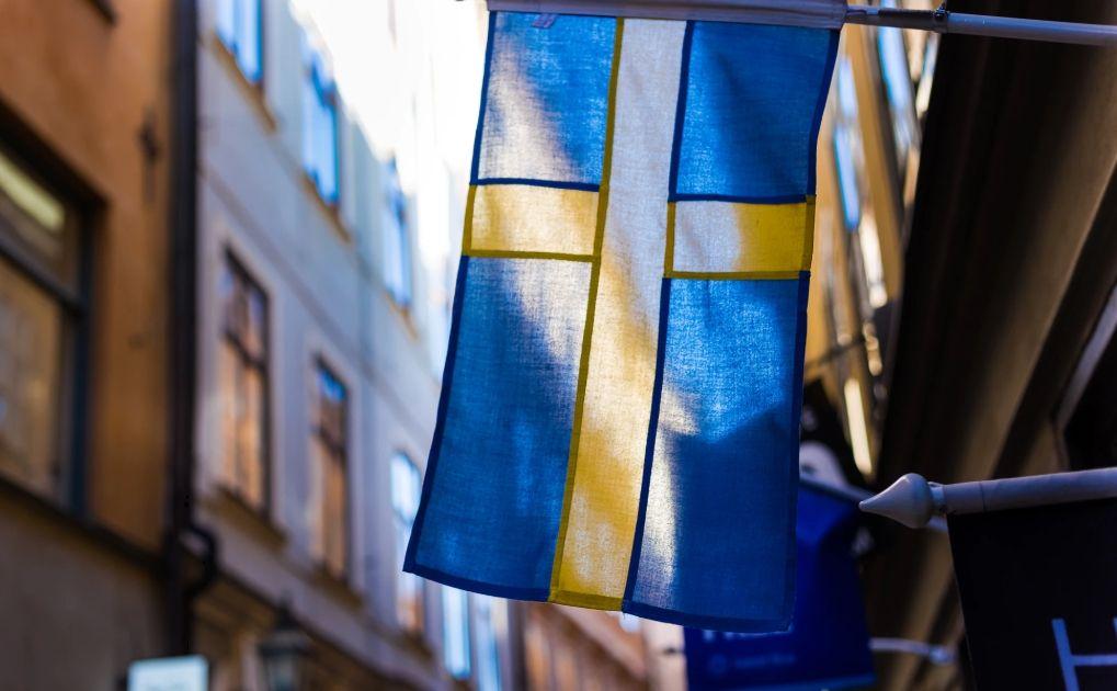 Korona szwedzka w parze z dolarem amerykańskim broni wsparcia